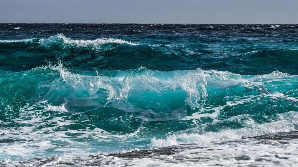wave-3473335_1920